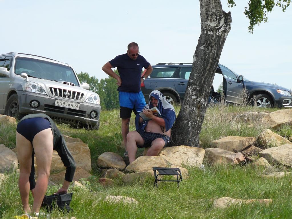 Лето 2008 Озеро Увильды. ТОША ждет хозяев, в полотенце это я.