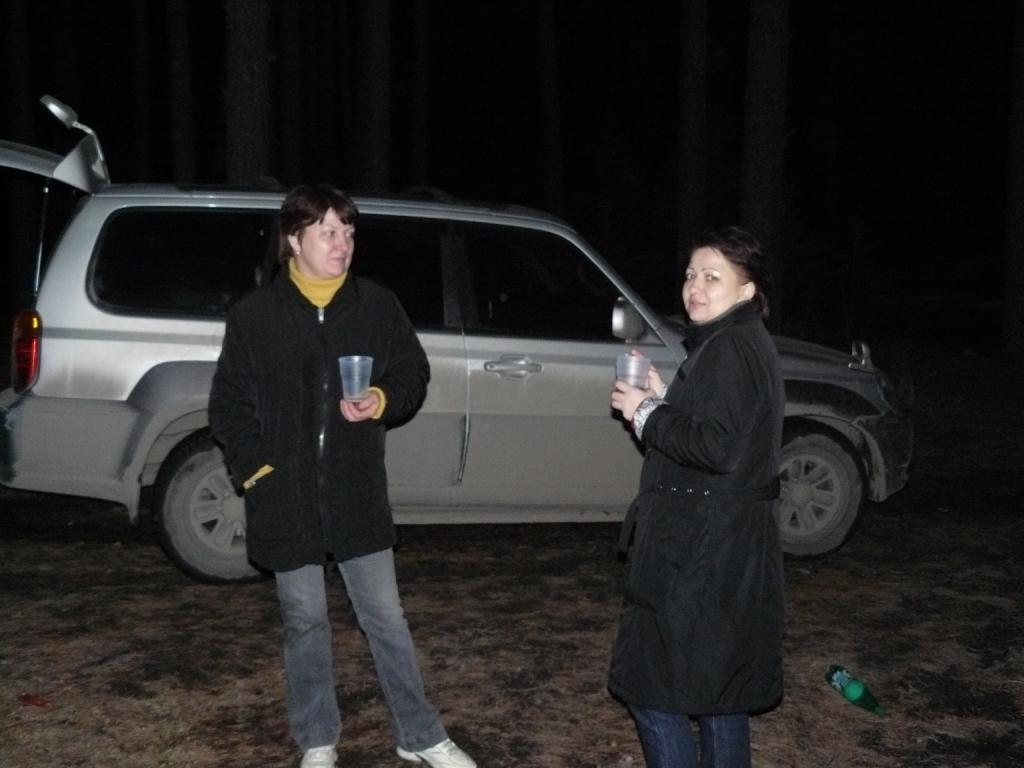 Весна 2009 окресности Тюмени Ночной лес, слева хозяйка ТОШИ